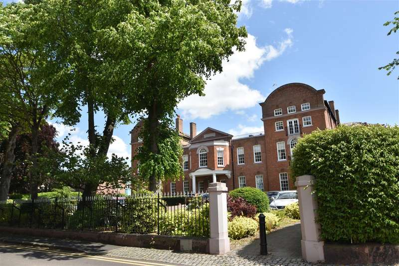 3 Bedrooms Penthouse Flat for sale in City Walls Road, Chester