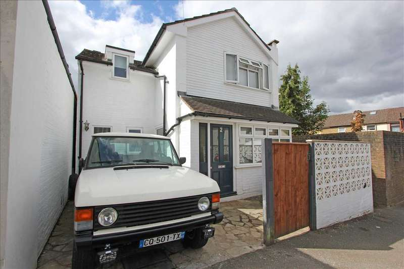 4 Bedrooms Detached House for sale in Rolleston Road, South Croydon