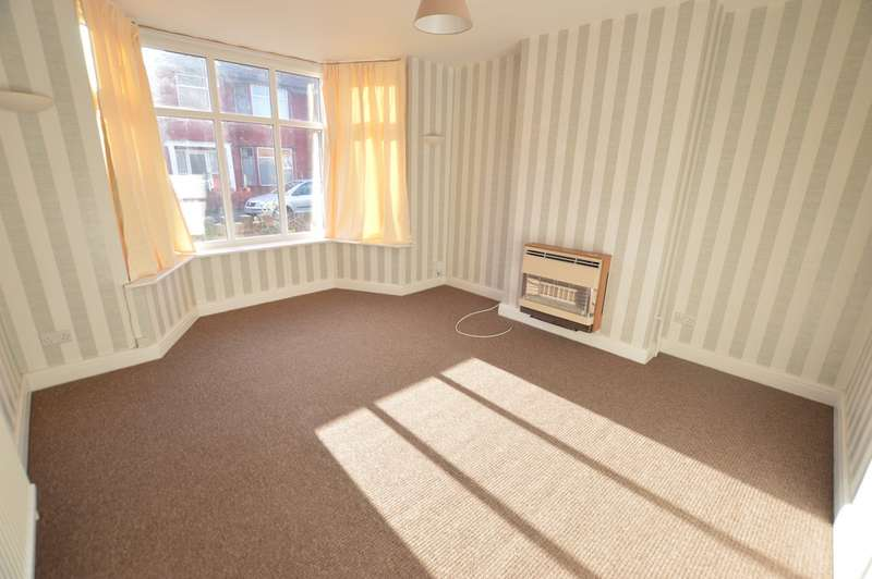 3 Bedrooms Semi Detached House for rent in Everard Avenue, SLough SL1