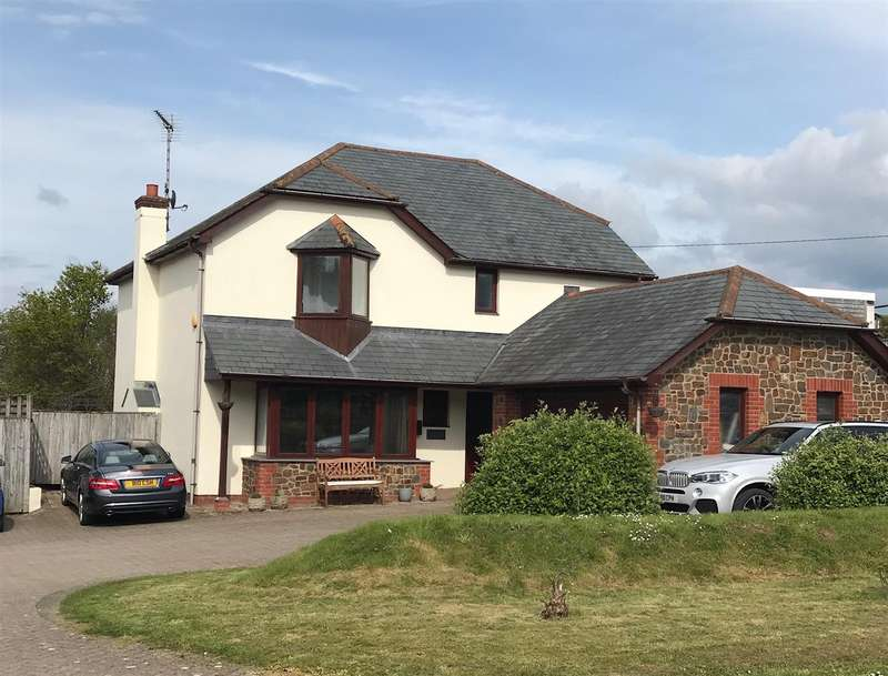 4 Bedrooms Detached House for sale in Atherington, Nr. Umberleigh