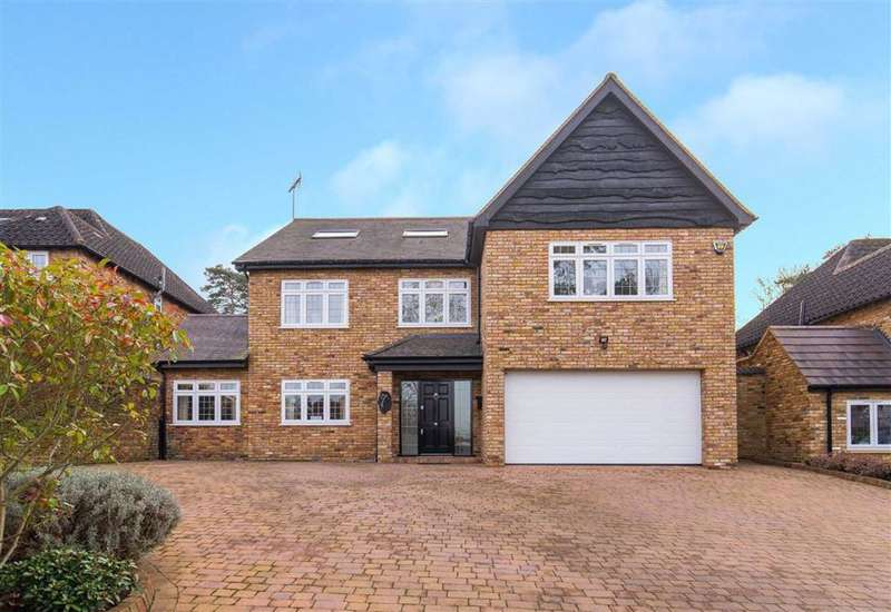 5 Bedrooms Detached House for sale in Bradgate Close, Cuffley