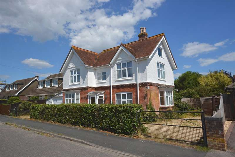 3 Bedrooms Detached House for sale in Oliver Road, Pennington, Lymington, Hampshire, SO41
