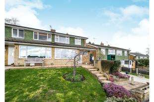 3 Bedrooms Semi Detached House for sale in Willow Ridge, Turners Hill, Crawley Down, West Sussex