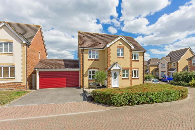 5 Bedrooms Detached House for sale in Saxon Shore, Sittingbourne