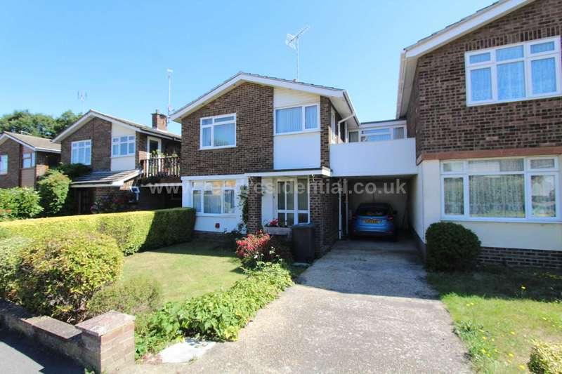 4 Bedrooms Link Detached House for sale in Woodpond Avenue Hockley