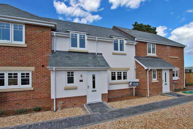 3 Bedrooms Mews House for sale in Silverstone Mews, North Road, Brockenhurst, Hampshire, SO42