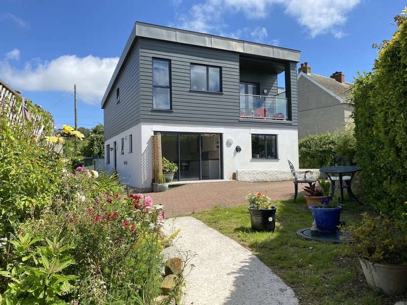 4 Bedrooms Detached House for sale in Green Lane West, Marazion