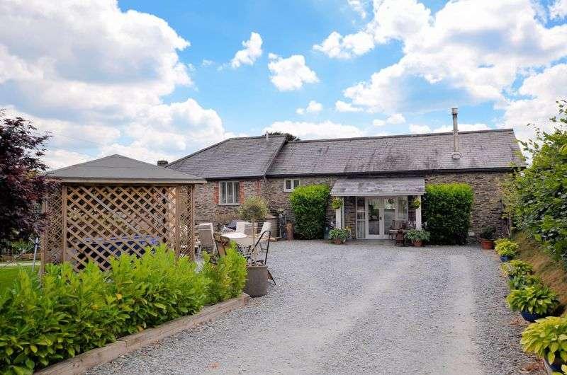 4 Bedrooms Property for sale in QUIET LOCATION & PADDOCK - TAVISTOCK