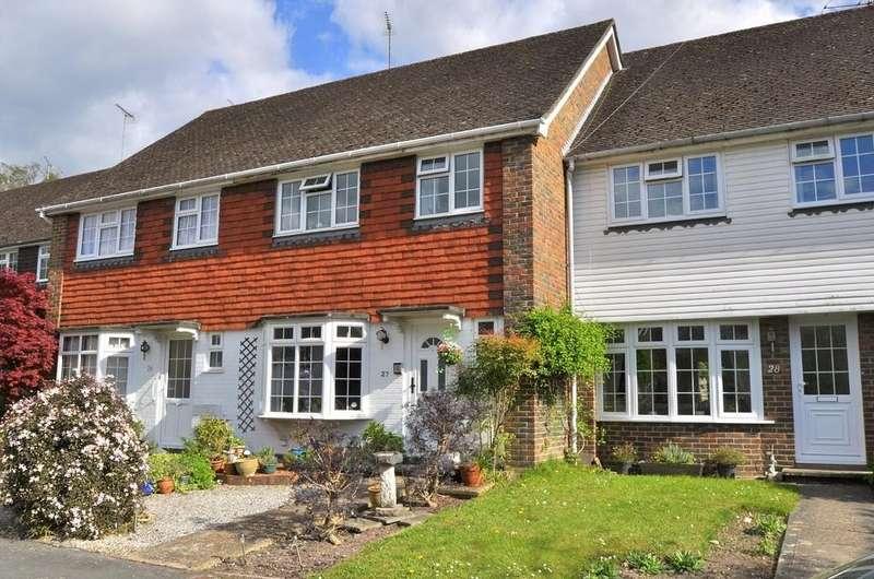 3 Bedrooms Terraced House for rent in Timberlands, Storrington, RH20