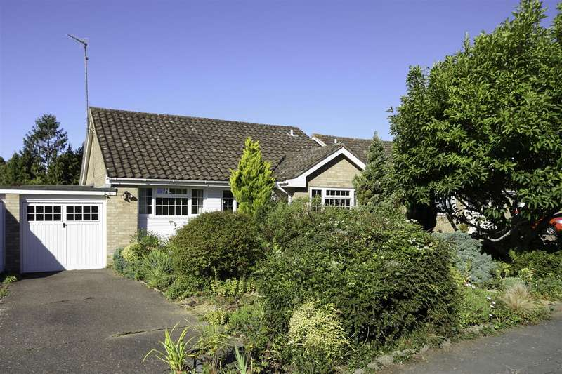 3 Bedrooms Detached Bungalow for sale in Marlborough Drive, Burgess Hill
