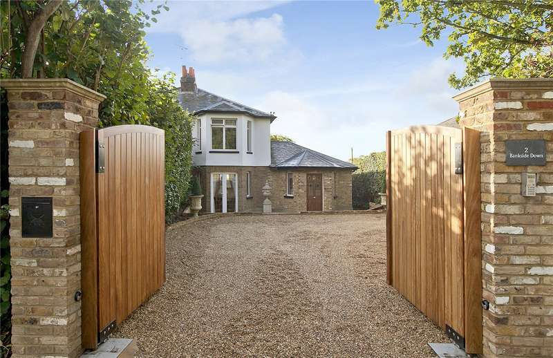 3 Bedrooms Semi Detached House for sale in Bankside Down, Old Chorleywood Road, Rickmansworth, Hertfordshire, WD3