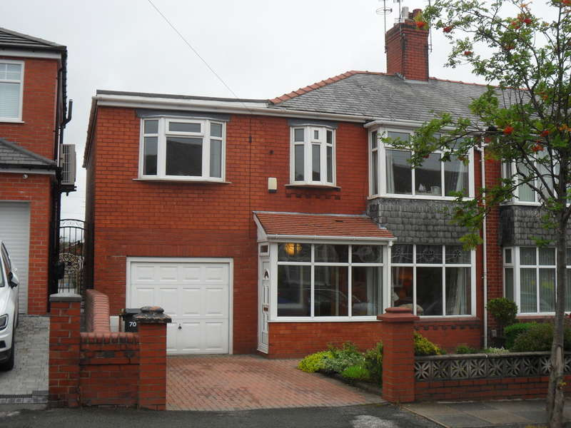 4 Bedrooms Semi Detached House for sale in Chadderton Park Road, Chadderton