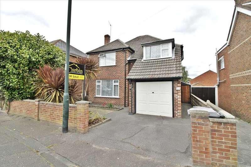 3 Bedrooms Detached House for sale in Kinson Road, Wallisdown, Bournemouth