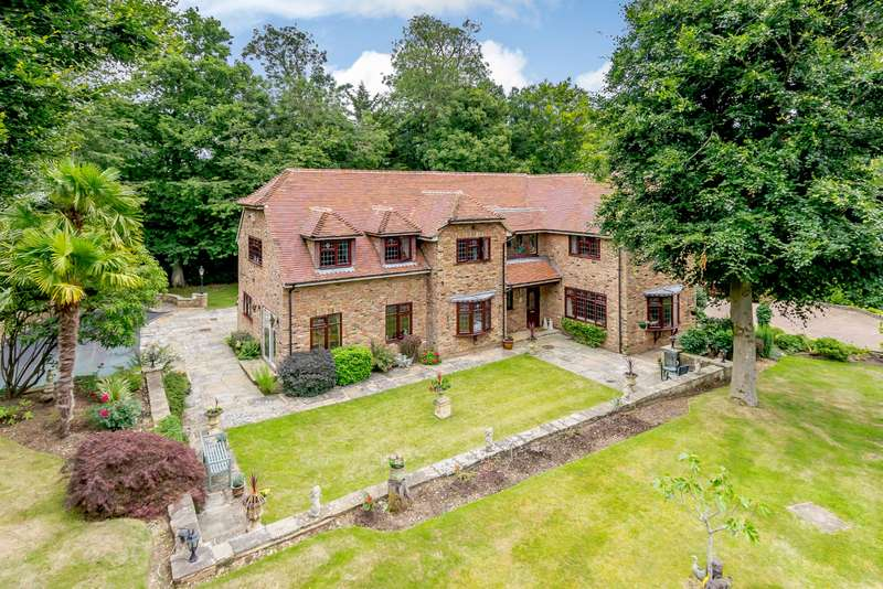 5 Bedrooms Detached House for sale in Lower Plantation, Loudwater, Rickmansworth, WD3