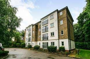 2 Bedrooms Flat for sale in Albert Court, Willicombe Park, Tunbridge Wells, Kent