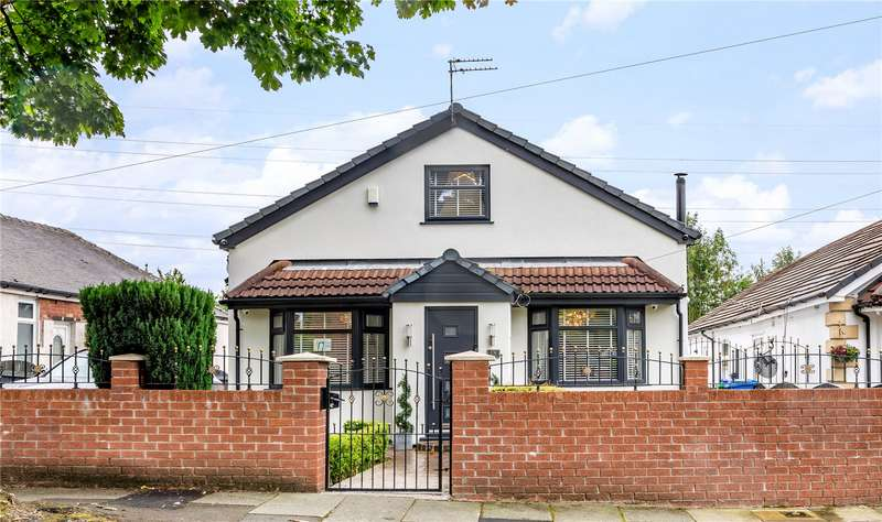 4 Bedrooms Detached House for sale in Mossway, Alkrington, Middleton, Manchester, M24