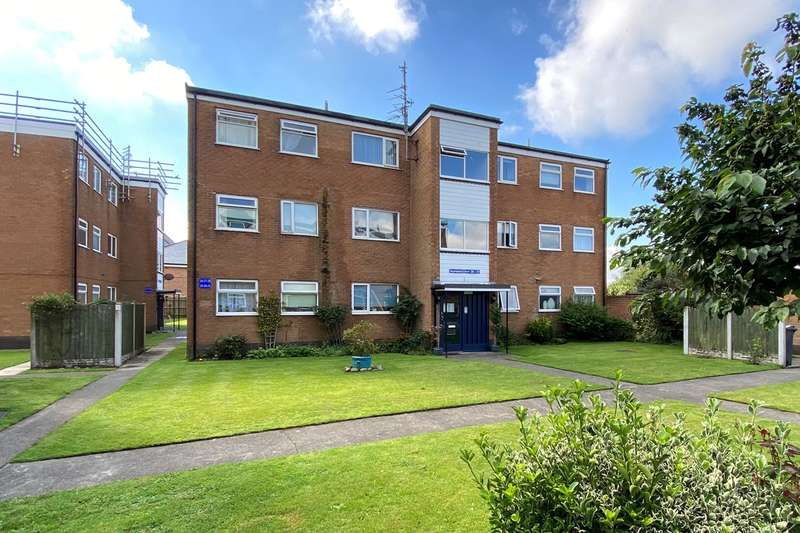 2 Bedrooms Apartment Flat for sale in Heyhouses Lane, Lytham St Annes, FY8