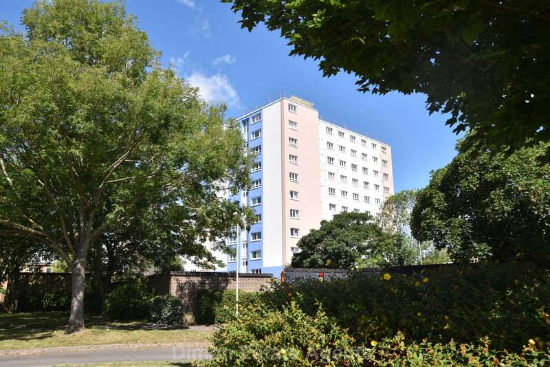 2 Bedrooms Flat for sale in South Street, Gosport