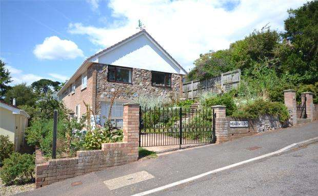 3 Bedrooms Detached Bungalow for sale in Meadow Close, Budleigh Salterton, Devon