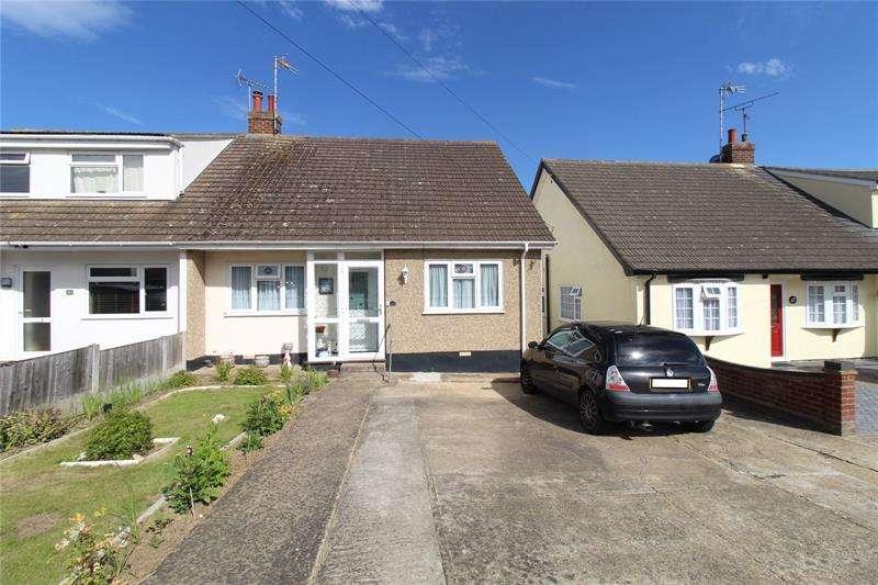 3 Bedrooms Bungalow for sale in Belchamps Way, Hockley, Essex, SS5