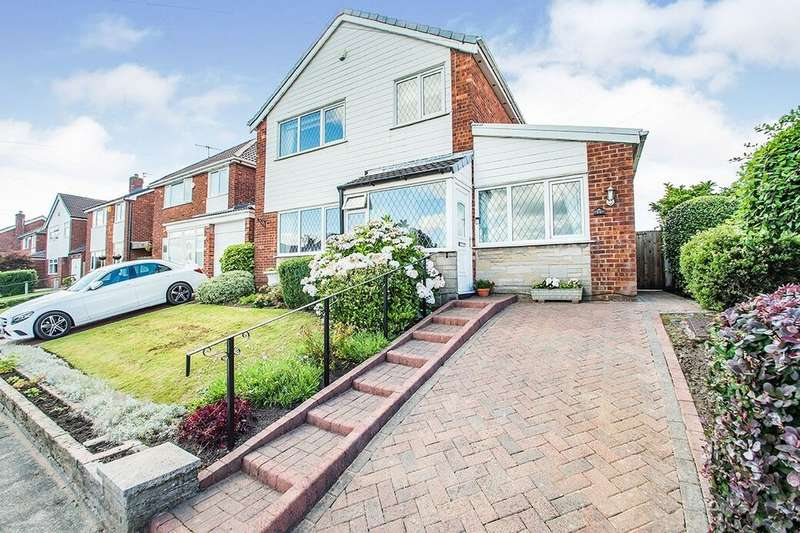 3 Bedrooms Detached House for sale in Burndale Drive, Bury, BL9
