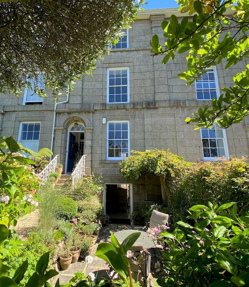 4 Bedrooms Terraced House for sale in St. Marys Terrace, Penzance