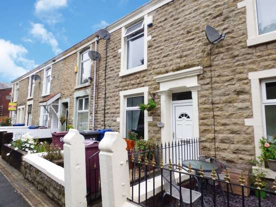 3 Bedrooms Terraced House for sale in Harwood Street, Darwen, Lancashire, BB3 1PA