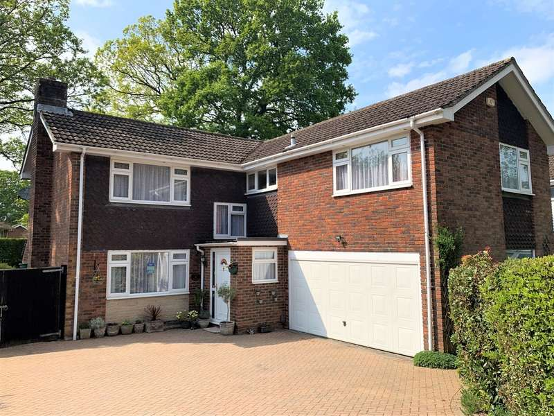 5 Bedrooms Detached House for sale in Pine Walk, Liss Forest