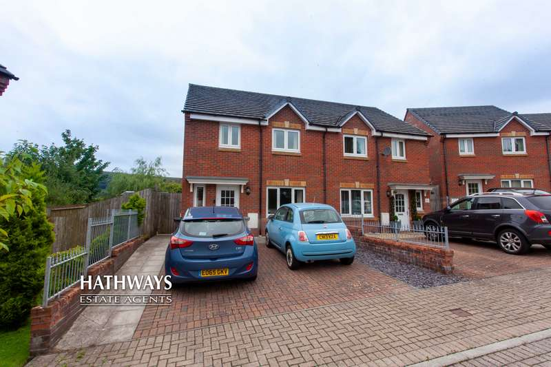 3 Bedrooms Property for sale in Albert Road, Talywain, Pontypool