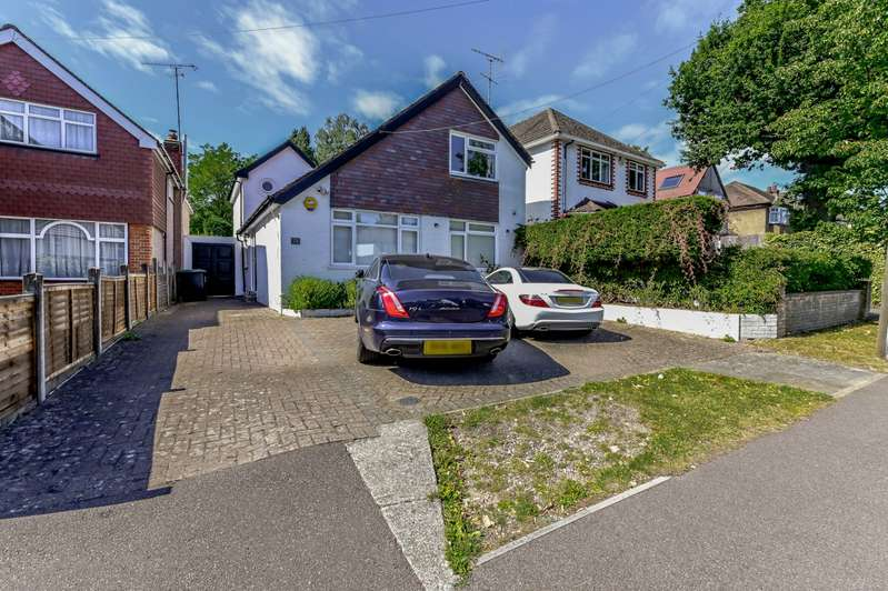 4 Bedrooms Detached House for sale in Brookdene Avenue