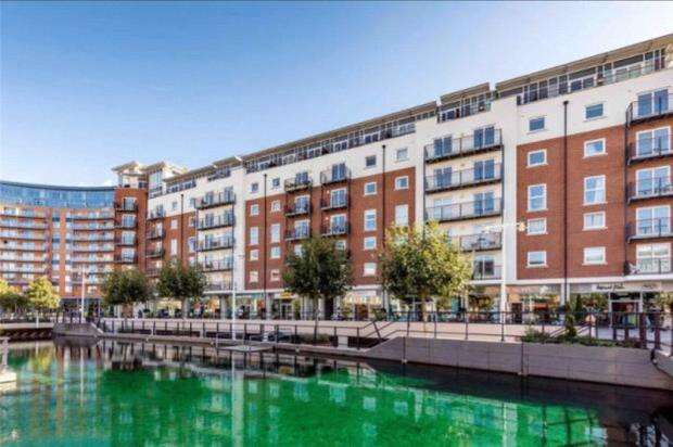 3 Bedrooms Apartment Flat for sale in Brecon House, Gunwharf Quays, Portsmouth