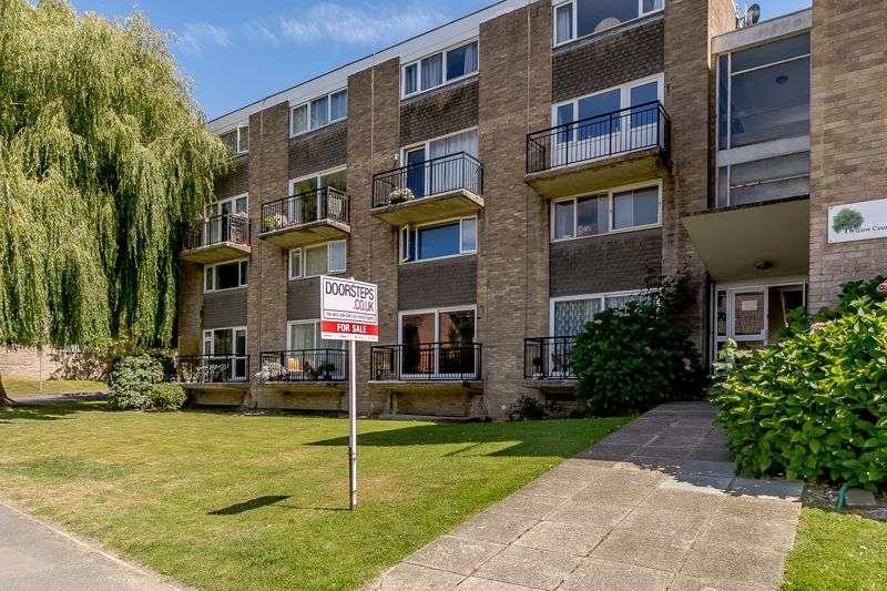 2 Bedrooms Property for sale in Enbrook Road, Sandgate, Folkestone, CT20