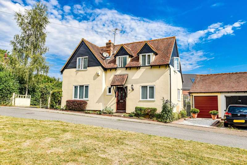 3 Bedrooms Detached House for sale in The Downs, Dunmow, Essex