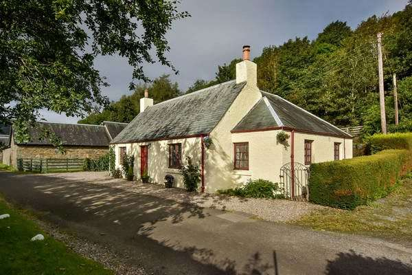 3 Bedrooms House for sale in McBeths Cottage, Fortingall, Aberfeldy, Perthshire, PH15