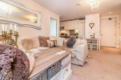 2 Bedrooms Flat for sale in Block 9 Spectrum, Blackfriars Road, Salford, Greater Manchester