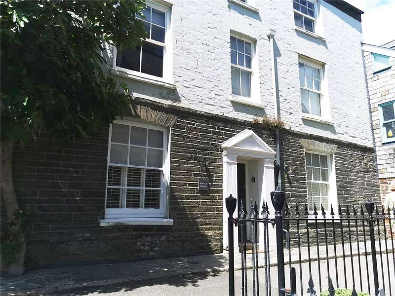 2 Bedrooms Flat for sale in Esplanade, Fowey, Cornwall, PL23