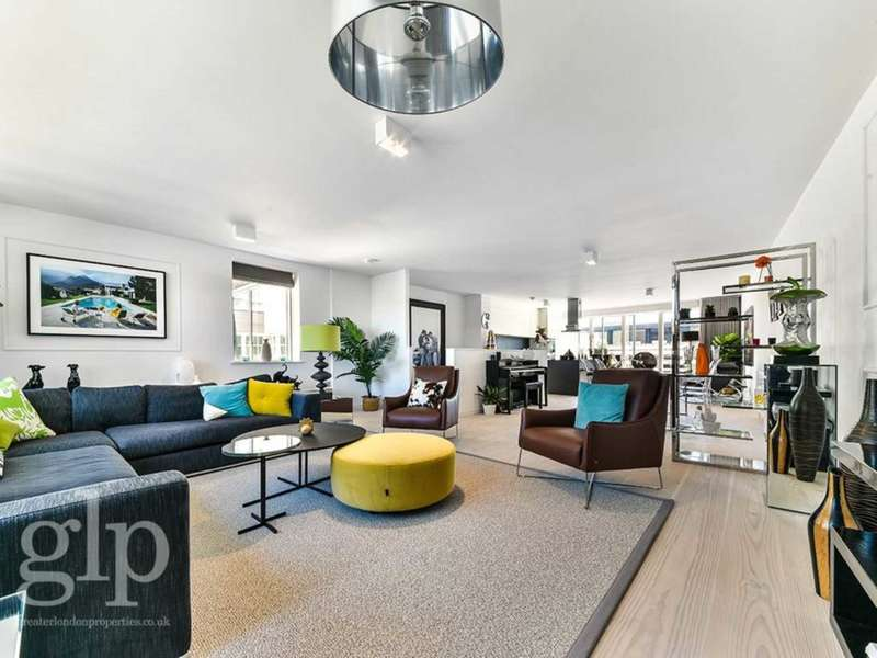 3 Bedrooms Flat for sale in Marshall Street, Soho, W1