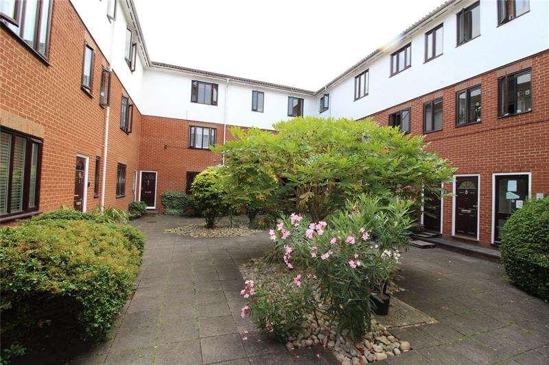 1 Bedroom Apartment Flat for sale in Eversholt Court, 44 Lyonsdown Road, Barnet, EN5