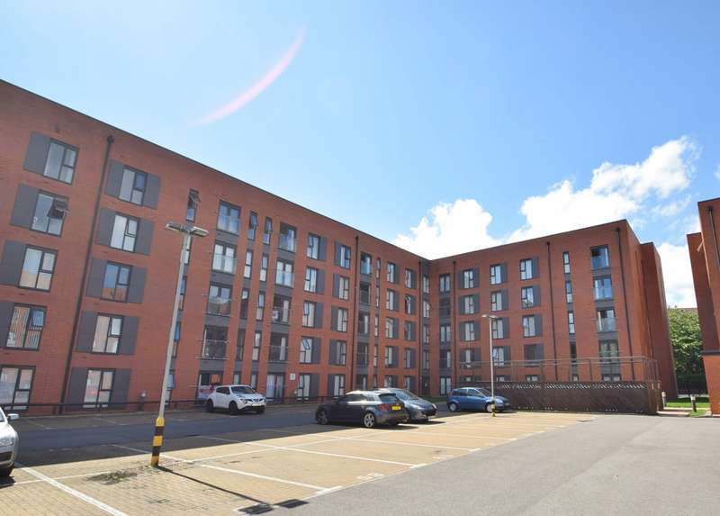 3 Bedrooms Apartment Flat for rent in Delaney Building, Lowry Wharf, Derwent Street, Salford, M5 4SR