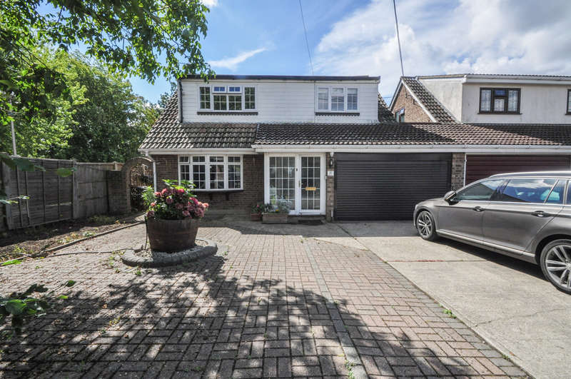 4 Bedrooms Detached House for sale in Balmerino Avenue, Thundersley