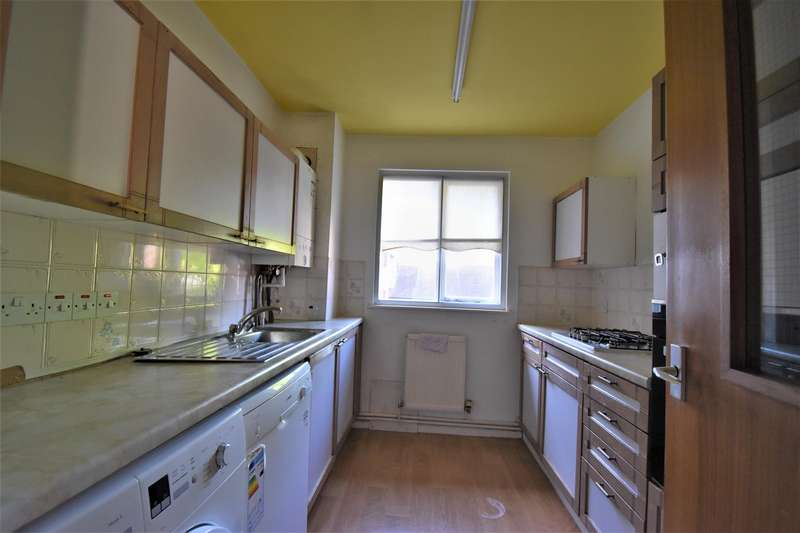 2 Bedrooms Property for sale in Warden Assisted Flat Finchley Road, NW11