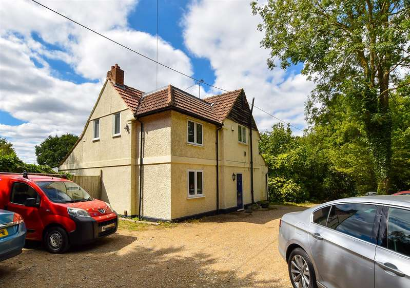 3 Bedrooms Detached House for sale in Hermitage Lane, Aylesford