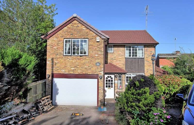 4 Bedrooms Property for sale in Stylecroft Road, Chalfont St. Giles