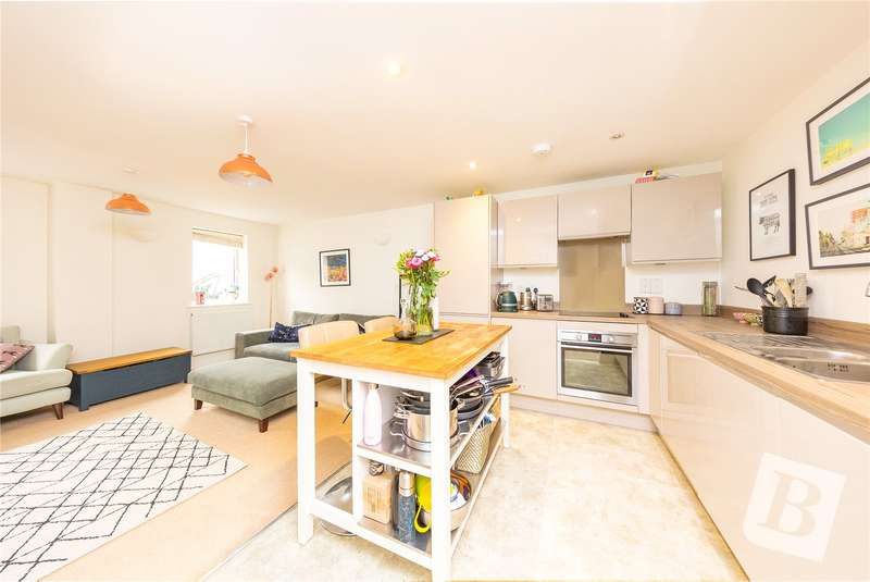 2 Bedrooms Apartment Flat for sale in Craven Gate, Lorne Road, Warley, Brentwood, CM14