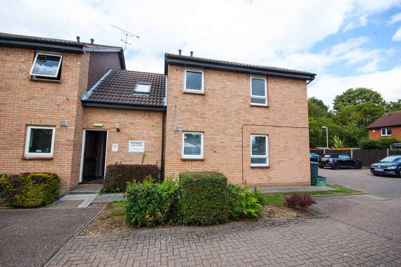 1 Bedroom Studio Flat for sale in Mearns Place, CHELMER VILLAGE, Chelmsford, CM2