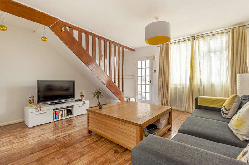 2 Bedrooms Terraced House for sale in Craybury End, London SE9