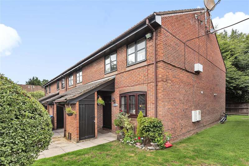 2 Bedrooms Maisonette Flat for sale in The Pastures, Watford, WD19
