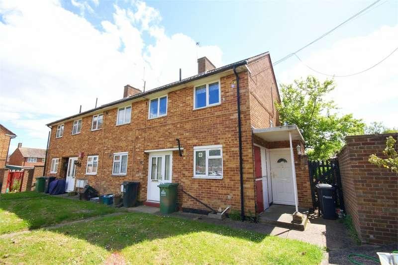 2 Bedrooms Maisonette Flat for sale in Barrow Lane, Cheshunt, WALTHAM CROSS, Hertfordshire, EN7