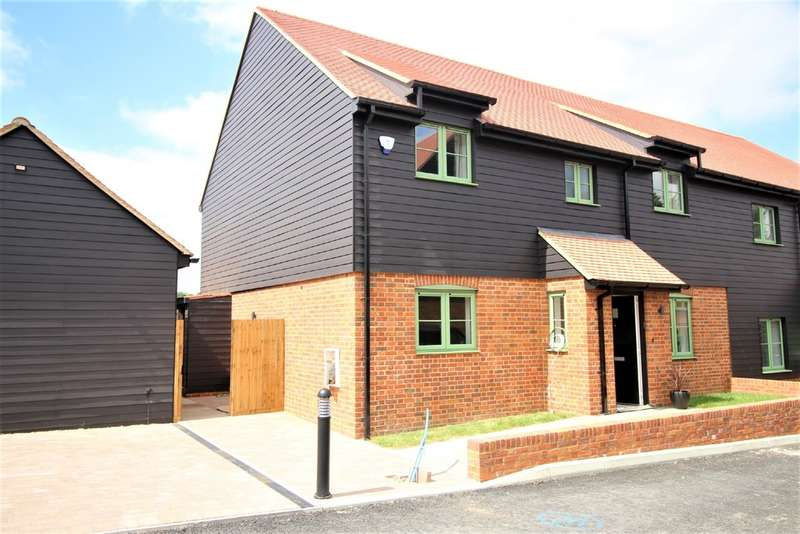 4 Bedrooms Semi Detached House for sale in Aldbury, Tring