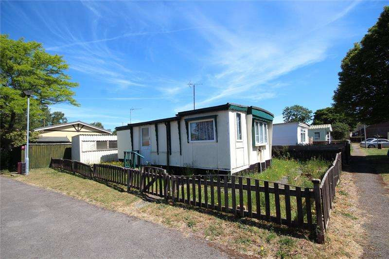 1 Bedroom Detached House for sale in Stillwater Park, North Poulner Road, Ringwood, Hampshire, BH24